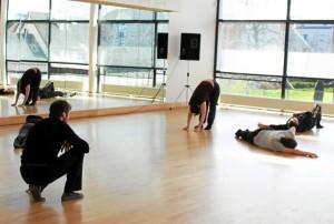 culture-les-travailleurs-sociaux-au-studio-de-danse_2771864_601x405p